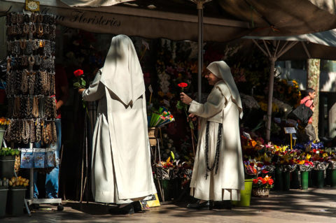 Barcelona 2010 – Flowers in your Hand