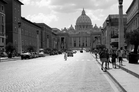 Over the Street  -Vatikan 2014