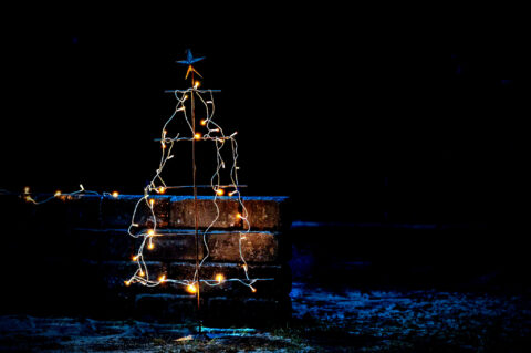 Iron tree – stay safe at Christmastime!
